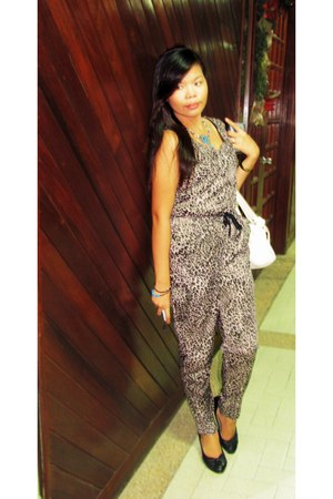 leather Secosana bag - black Sabato pumps - animal print Seventeen bodysuit