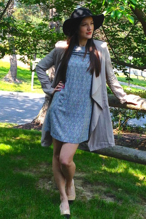 heather gray H&M dress - tan light trench Forever21 coat - black Forever 21 hat