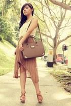 dark brown Editors Market bag - tan FEMMEX dress - neutral Forever 21 necklace