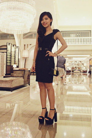 black simple Zara dress - black bow Salvatore Ferragamo bag