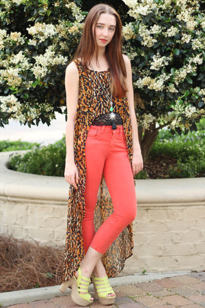 burnt orange MinkPink top - coral curvy crop iT jeans