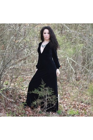 black velvet HaoDuoYi dress