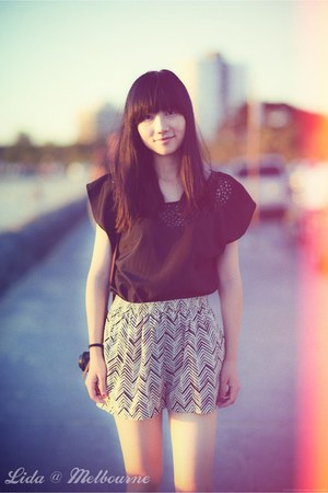 black Zara shirt - ivory shorts