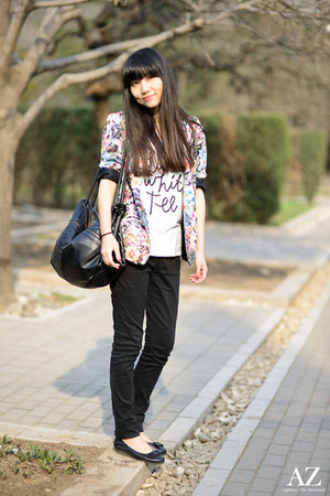 floral print Zara blazer - H&M t-shirt
