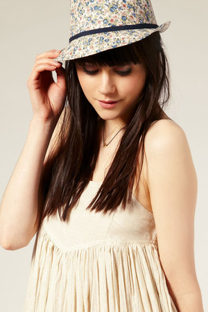 cream floral fedora asos hat - dark brown asos necklace - ivory asos blouse