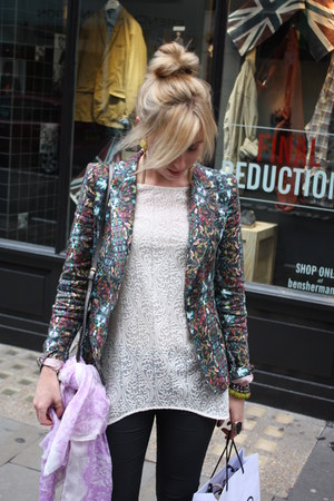 multi-coloured Zara blazer - Zara blouse - wedged Aldo sneakers
