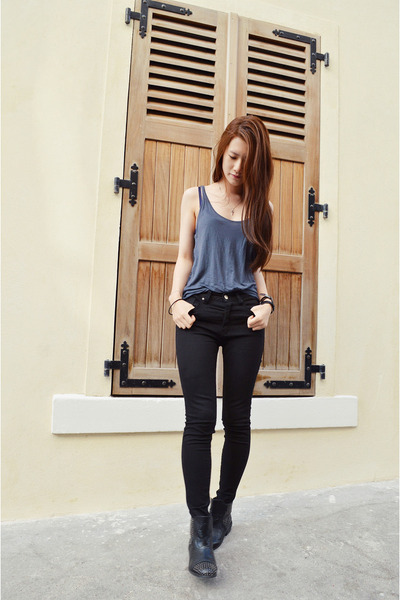 black Pomme Passion boots - black zipia pants - teal unknown top