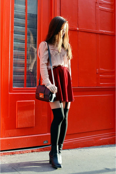 nude zipia shirt - red asos skirt - black Pretty Poly stockings