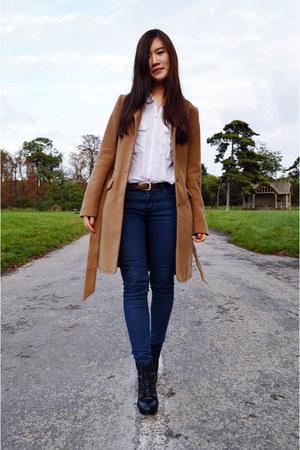 camel H&M coat - navy zipia jeans - ivory Pull & Bear shirt - black zipia heels