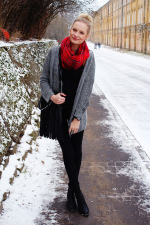 heather gray chicnova cardigan - black H&M jeans - ruby red H&M scarf