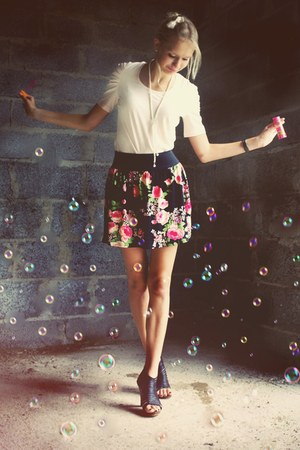 black New Yorker skirt - black Street Super Shoes heels - light pink Pimkie top