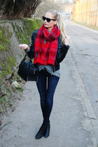 ruby red H&M scarf - black H&M boots - navy H&M jeans - black New Yorker jacket