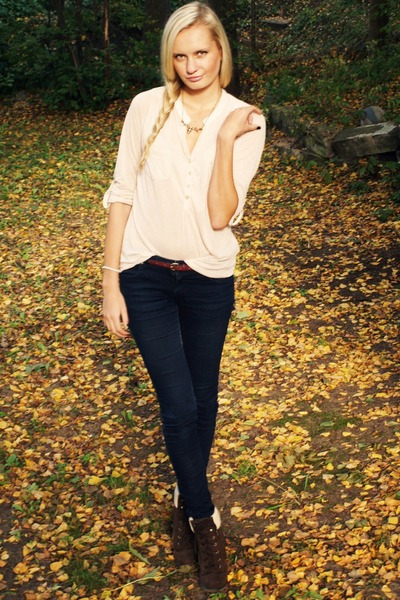 neutral Primark blouse - dark brown Primark boots - navy New Yorker jeans