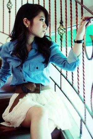 beige H&M skirt - brown vintage belt - blue denim blouse
