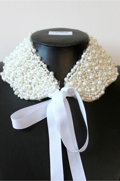 ivory CrossWoodStore necklace