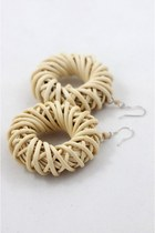 Eggshell-crosswoodstore-earrings