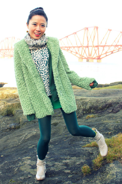 lime green faux fur Forever 21 coat - off white ankle flat Thompson boots
