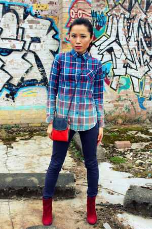 ruby red wedge ankle Office boots - navy Othermix shirt