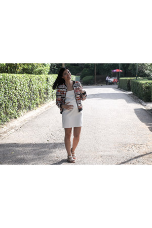 sequins Relish blazer - jovonna london dress - Le temps de cerises sandals