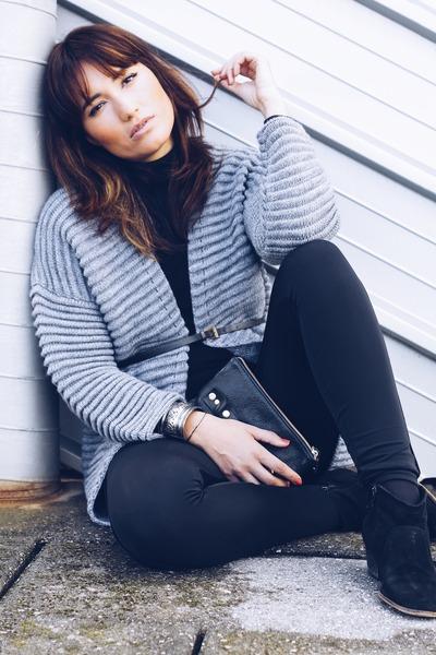 silver knit Cortefiel cardigan - black suede Mango boots