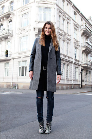 heather gray tweed leather Zara coat - black patterned Sigersen Morrison shoes