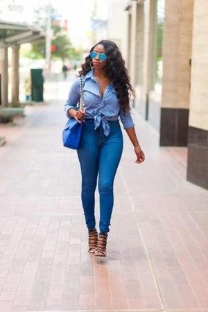 high waist jeans - blue quilted bag