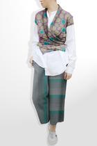 Topshop with prints by Unocosa top - Unocosa shirt - Bebe
