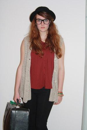Topshop top - H&M leggings - vintage vest - River Island glasses - Levi 501s jea