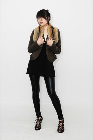 tawny loewe scarf - dark brown jacket - black H&M leggings