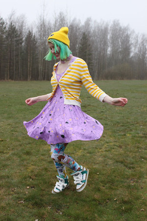 yellow cotton Running Koala hat - amethyst character print Black Milk dress