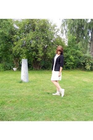 Bik Bok dress - floral print Din Sko sneakers - cotton lindex cardigan