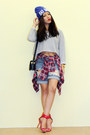 Hot-pink-flannel-plaid-uniqlo-shirt-blue-j-brand-shorts