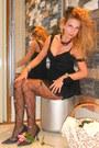 Black-accessorize-tights-black-zara-top-black-zara-skirt