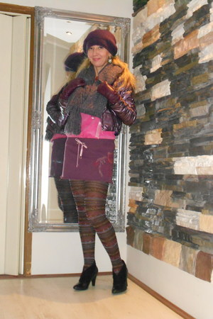 magenta hat - black Zara boots - magenta sm accessories tights