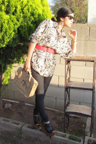 tan Thrift Store shirt - beige olsenboye bag - red Thrift Store belt - black Mar