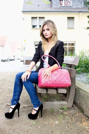 hot pink Harald Glööckler Pompöös bag - blue skinny H&M jeans