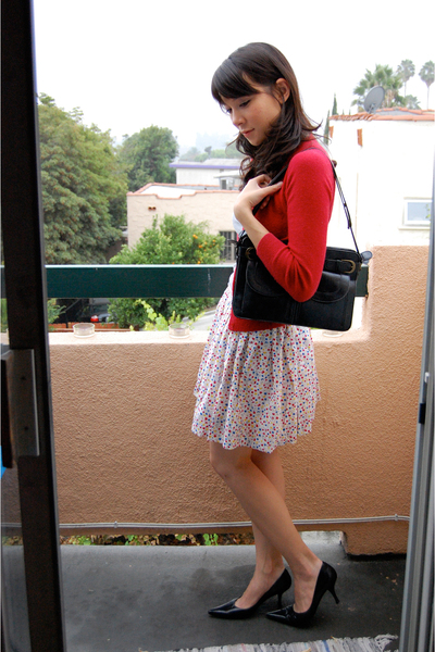 forever 21 sweater - Nine West shoes - Urban Outfitters purse
