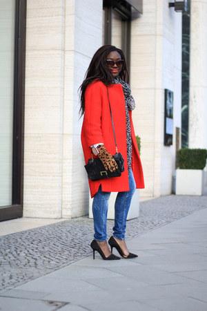 H&M Trend coat - Guess jeans - H&M shirt - H&M bag - Zara heels