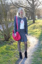 hot pink NAT&NIN bag - charcoal gray Kookai vest