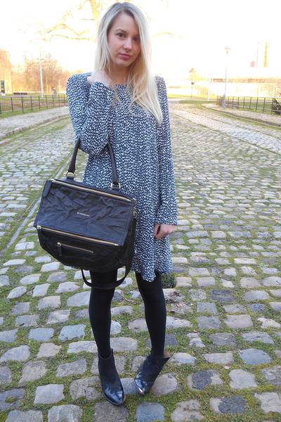 black leather Givenchy bag - blue Zara dress