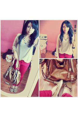 red skinny Zara jeans - bronze vintage Korz bag - blue bold chain necklace