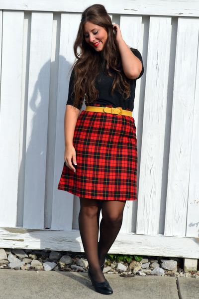 red thrifted vintage skirt - black Old Navy top - mustard thrifted belt