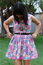 pink vintage dress - black vintage belt - black vintage necklace