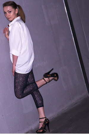 Internacionale heels - navy Mango leggings - white vintage shirt