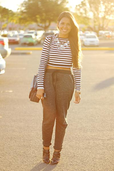 black jogger Zara pants - black striped Zara top