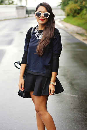 black mermaid Zara skirt - navy Zara sweater - white Topshop sunglasses
