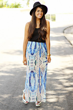 light blue maxi Kendall & Kylie Collection skirt - black H&M top