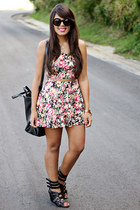 black oversized Zara bag - pink floral print Nollie skirt