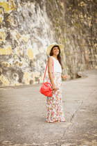 beige Marshalls hat - coral Zara bag - light pink floral maxi LA Hearts