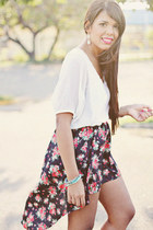 black floral print PacSun skirt - white Forever 21 top